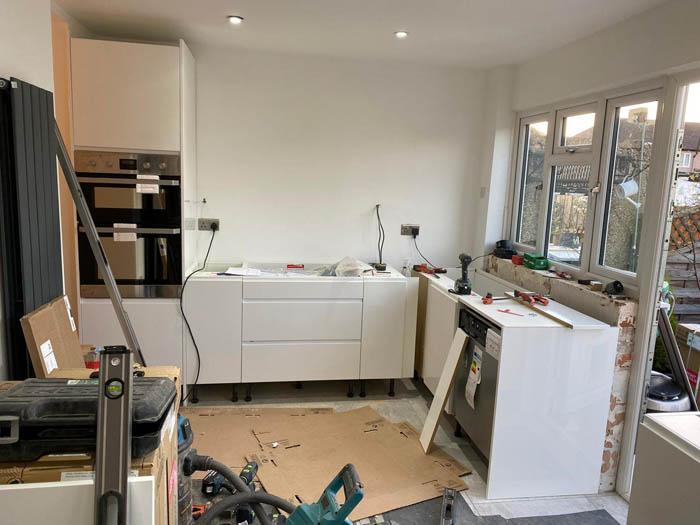 kitchen unit installation